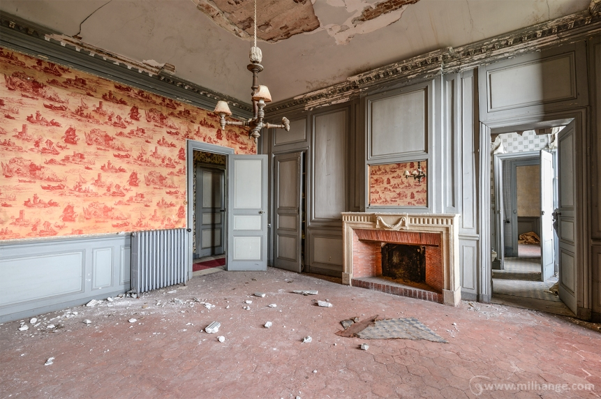 photo-urbex-chateau-des-fables-abandonne-decay-15