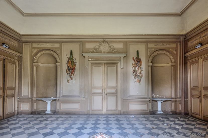 photo-urbex-chateau-des-fables-abandonne-decay-9