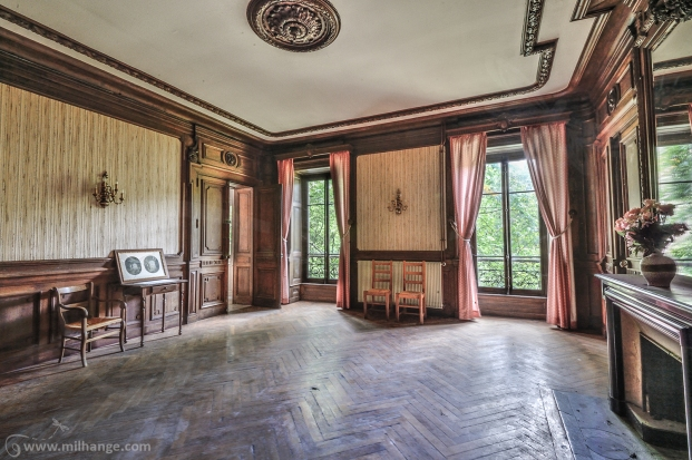 photo-urbex-chateau-dracula-abandonne-8