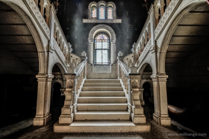 photo-urbex-chateau-dracula-abandonne-9