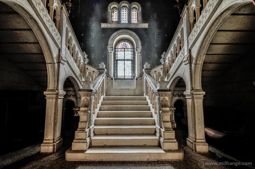 photo-urbex-chateau-dracula-abandonne-9