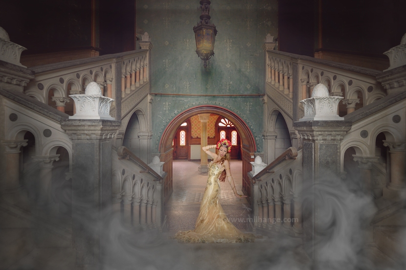 photo-urbex-chateau-dracula-robe-or-2