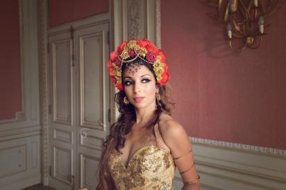 photo-urbex-chateau-dracula-robe-or-4