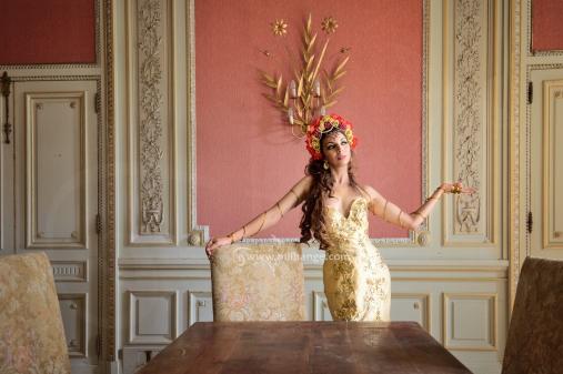 photo-urbex-chateau-dracula-robe-or-5