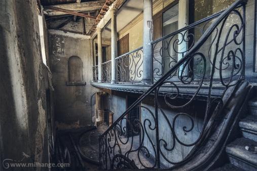 photo-chateau-abandonne-bacchus-lost-castle-5
