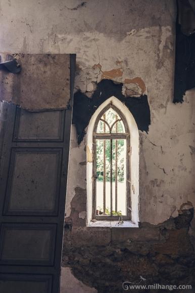 photo-chateau-abandonne-bacchus-lost-castle-7