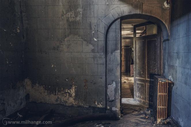photo-chateau-abandonne-bacchus-lost-castle-9