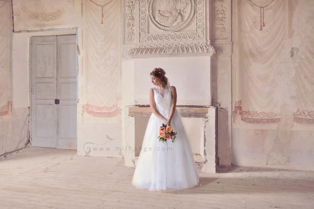 location-robe-bordeaux-fleur-de-lys-ambrine-2
