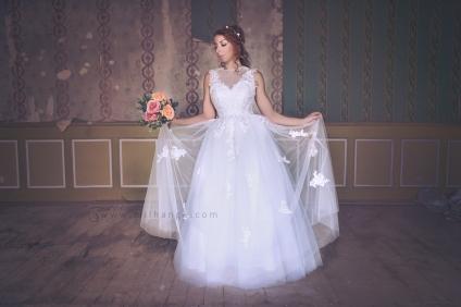 location-robe-bordeaux-fleur-de-lys-ambrine-3
