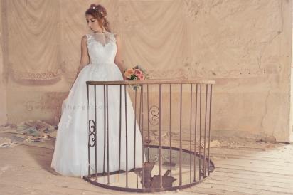 location-robe-bordeaux-fleur-de-lys-ambrine-4