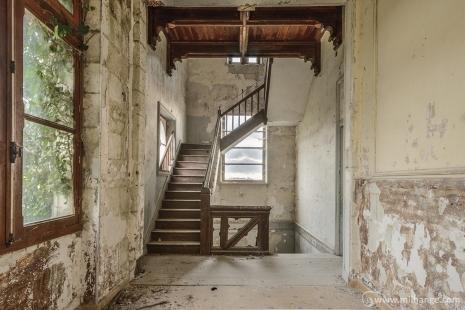 photo-abandoned-castle-chateau-abandonne-de-la-princesse-10