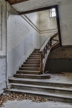 photo-abandoned-castle-chateau-abandonne-de-la-princesse-8