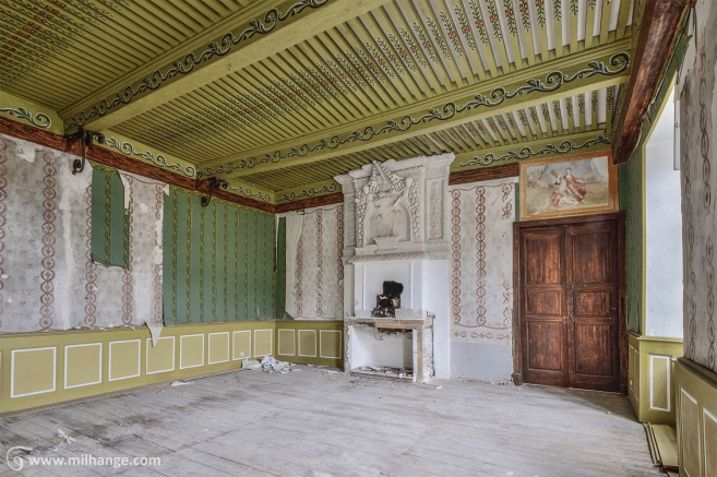 photo-chateau-des-cheminees-lost-castle-decay-2