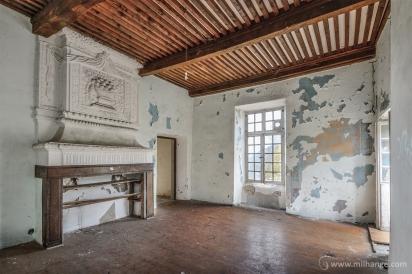 photo-chateau-des-cheminees-lost-castle-decay-4