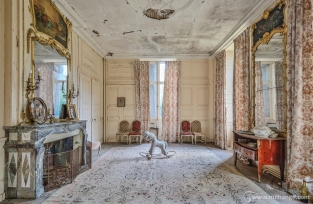 photo-chateau-soldat-de-plomb-lost-castle-decay-2