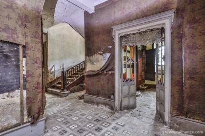photo-chateau-baldaquin-lost-castle-decay-10