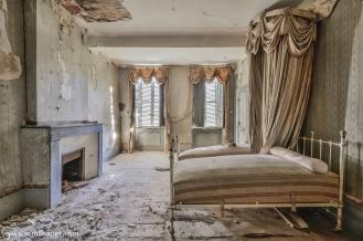 photo-chateau-baldaquin-lost-castle-decay-11