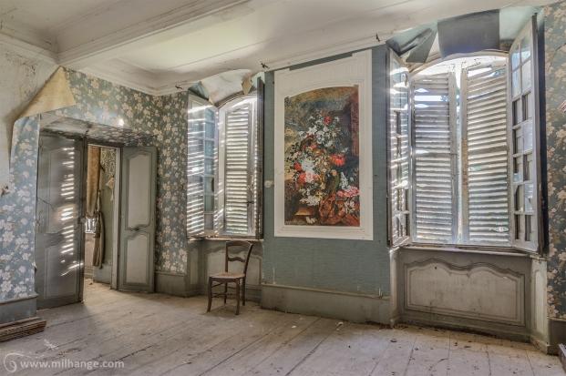 photo-chateau-baldaquin-lost-castle-decay-3