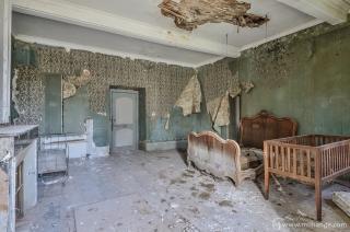 photo-chateau-baldaquin-lost-castle-decay-5