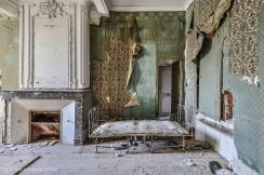 photo-chateau-baldaquin-lost-castle-decay-7