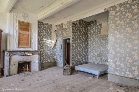 photo-chateau-baldaquin-lost-castle-decay-8