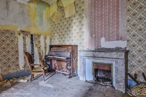 photo-chateau-baldaquin-lost-castle-decay-9