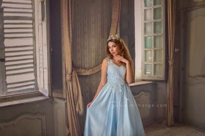 photo-chateau-baldaquin-robe-azur-lost-castle-decay-3