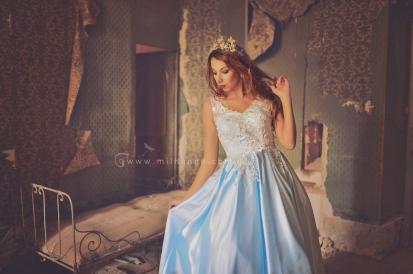 photo-chateau-baldaquin-robe-azur-lost-castle-decay