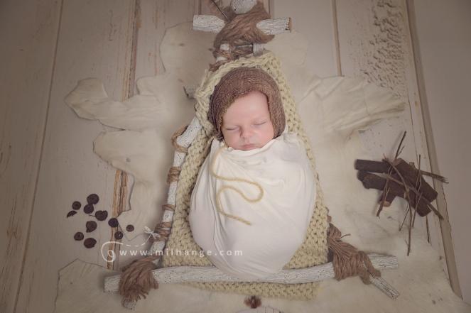 photographe-saintes-bebe-nouveau-ne-grossesse-bordeaux-tipi-posing.1