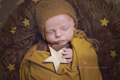 photographe-saintes-bebe-nouveau-ne-grossesse-bordeaux-tipi-posing.2
