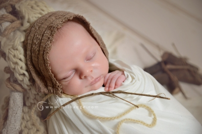 photographe-saintes-bebe-nouveau-ne-grossesse-bordeaux-tipi-posing.7