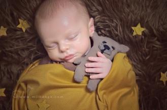 photographe-saintes-bebe-nouveau-ne-grossesse-bordeaux-tipi-posing.8