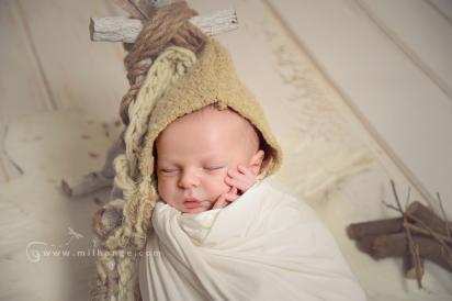 photographe-saintes-bebe-nouveau-ne-grossesse-bordeaux-tipi-posing.9
