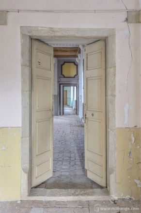 photo-urbex-chateau-archeologue-louanges-abandonne-5