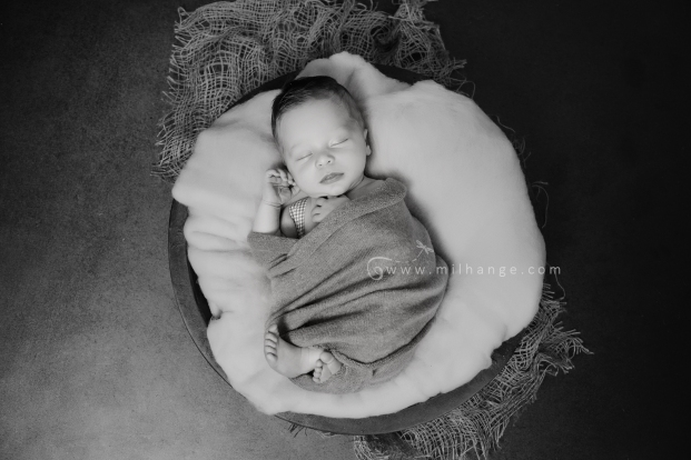 photo-bebe-nouveau-ne-naissance-bordeaux-saint-andre-de-cubzac-20