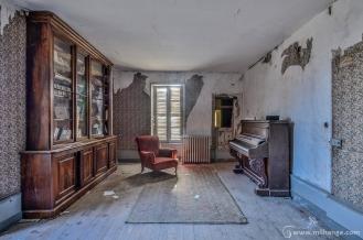 photo-urbex-chateau-des-chimeres-medecin-chateau-abandonne-11