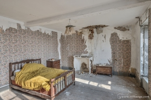 photo-urbex-chateau-des-chimeres-medecin-chateau-abandonne-7