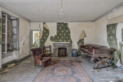 photo-urbex-chateau-des-chimeres-medecin-chateau-abandonne-8