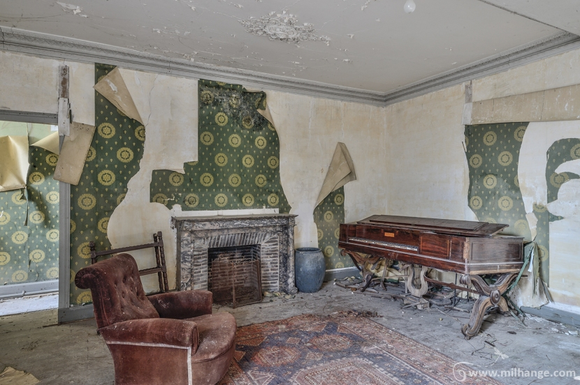 photo-urbex-chateau-des-chimeres-medecin-chateau-abandonne-9