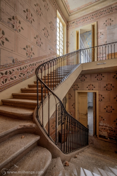 photo-urbex-chateau-pv-abandonne-temple-olympe-5