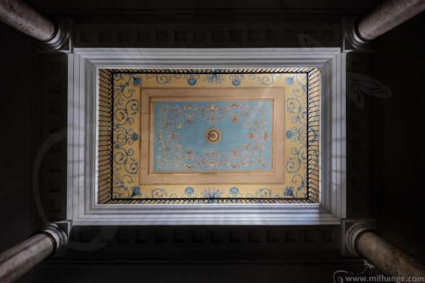 photo-urbex-chateau-pv-abandonne-temple-olympe-6