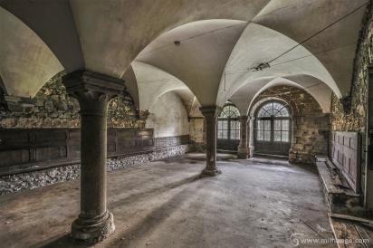 photo-urbex-prieure-de-venus-abbaye-chapelle-cloitre-abandonnee-13