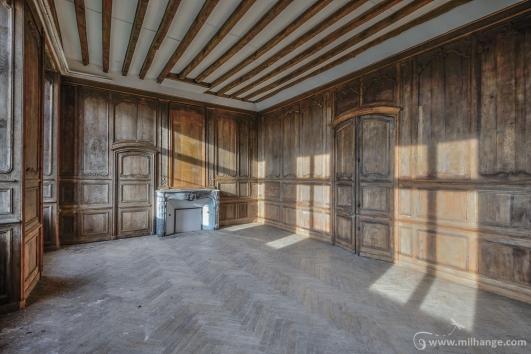 photo-urbex-prieure-de-venus-abbaye-chapelle-cloitre-abandonnee-2
