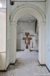 photo-urbex-prieure-de-venus-abbaye-chapelle-cloitre-abandonnee-3
