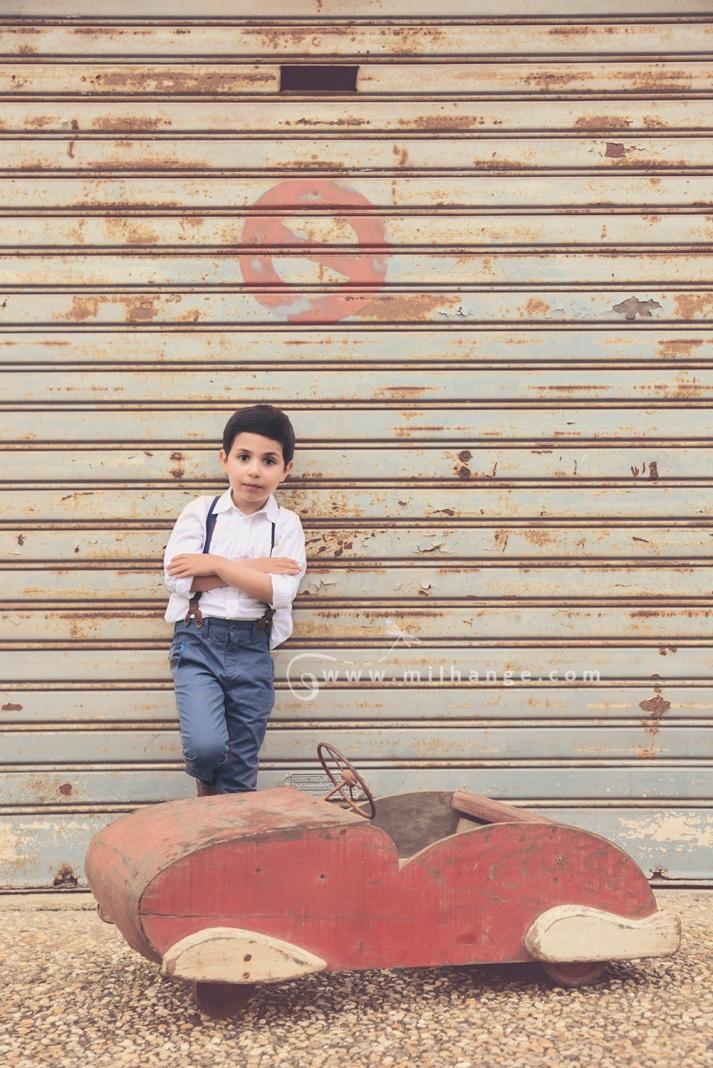 photographe-enfant-vintage- voiture- ruelle-art-bordeaux-gironde-arcachon-saintes-fraternité-8