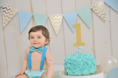 photo-bebe-1-an-anniversaire-gateau-smash-the-cake-happy-birthday-bordeaux-6