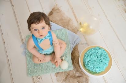 photo-bebe-1-an-anniversaire-gateau-smash-the-cake-happy-birthday-bordeaux
