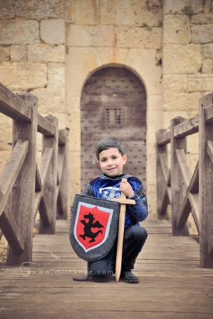 photo-enfant-cheval-chevalier-conte-chateau-bridoire-dordogne-1