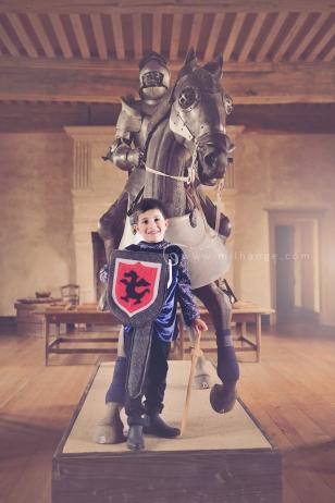 photo-enfant-cheval-feerie-conte-chateau-bridoire-dordogne-13