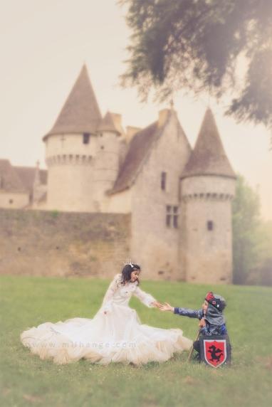 photo-enfant-cheval-feerie-conte-chateau-bridoire-dordogne-6